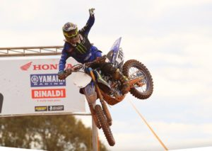 Motocross: Paulo Alberto assume liderança do Brasileiro de MX1! thumbnail