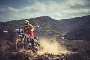 Duas Triumph Scrambler 1200 XE irão alinhar à partida da próxima edição da Baja Portalegre 500. thumbnail