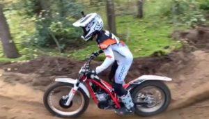Vídeo: Liam Everts treina Supercross com uma moto de Trial! thumbnail