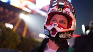 AMA Supercross: Chad Reed ajuda a combater os incêndios na Austrália thumbnail
