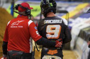 AMA Supercross: Adam Cianciarulo parte clavícula thumbnail