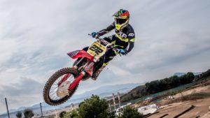Vídeo Motocross: Uma Honda CR 500 que ainda dá cartas! thumbnail