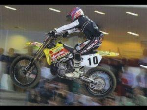 Vídeo: O Supercross no Pavilhão Atlântico em 2003 thumbnail