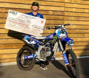 Rally Raids: Adrien Van Beveren sorteia a sua moto para ajudar a Cruz Vermelha Francesa thumbnail