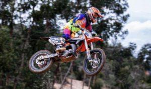 Vídeo Motocross: Tomás Santos está de volta aos treinos thumbnail