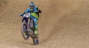 Vídeo Motocross: Bruno Charrua junta treino de moto com treino físico! thumbnail