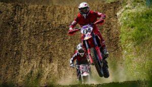Estrelas italianas do MotoGP arrancam com treinos de motocross thumbnail