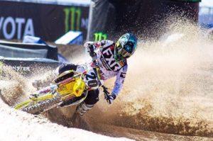 AMA Supercross: JGR Suzuki regressa com Tickle, Noren e Martin thumbnail
