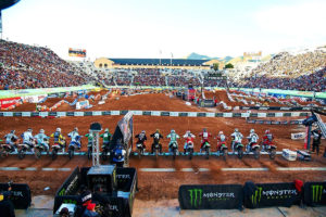 AMA Supercross: Campeonato regressa dia 31 de maio! thumbnail