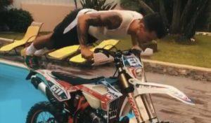 Vídeo: Um treino físico de Jorge Correia… com a sua moto! thumbnail