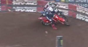 Vídeo AMA Supercross, SLC6: O ataque de Sexton a McElrath thumbnail