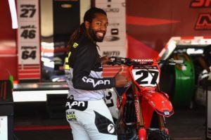 """AMA Supercross: """"Black Lives Matter"""" nas calças de Stewart thumbnail"""