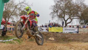 Motocross: Luís Outeiro foi 8.º no campeonato espanhol thumbnail