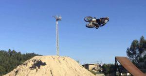 """Vídeo Motocross: Os """"whips"""" de Daniel Pinto! thumbnail"""