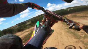 "Vídeo Motocross: Fábio Costa ""onboard"" na sua pista thumbnail"
