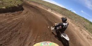 "Vídeo Motocross: Um grande ""picanço"" entre duas 125cc 2T! thumbnail"