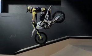 "Vídeo: A incrível ""égua"" de Billy Bolt num ""skatepark"" thumbnail"