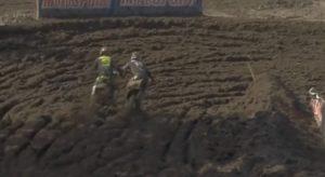 Vídeo AMA Motocross: Como se safou Osborne desta quase queda?! thumbnail