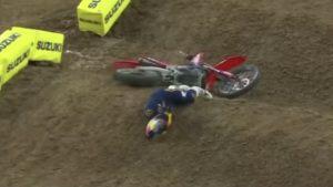 Vídeo AMA Supercross 250, Houston 3: A queda de Jett Lawrence thumbnail