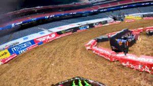 Vídeo AMA Supercross: Uma volta com Malcolm Stewart em Houston 2 thumbnail