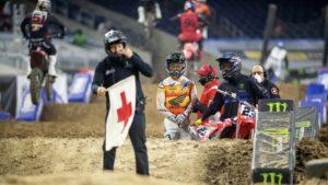 AMA Supercross 450, Houston 2: Roczen e Anderson penalizados em 4 pontos thumbnail