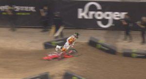 Vídeo AMA Supercross 450: A queda de Chase Sexton em Houston 2 thumbnail