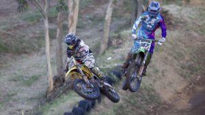 Vídeo Motocross: A grande luta entre Correia e Basaúla em São Quintino em 2017! thumbnail