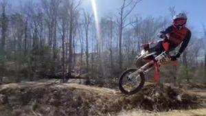 Vídeo: Travis Pastrana de volta aos treinos de moto! thumbnail