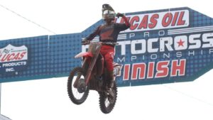 "AMA Motocross 250, Southwick: ""Dobradinha"" de Hunter Lawrence thumbnail"