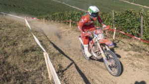 "Diogo Ventura, ISDE, 5.º dia: ""É difícil ser rápido numa 2T neste piso"" thumbnail"